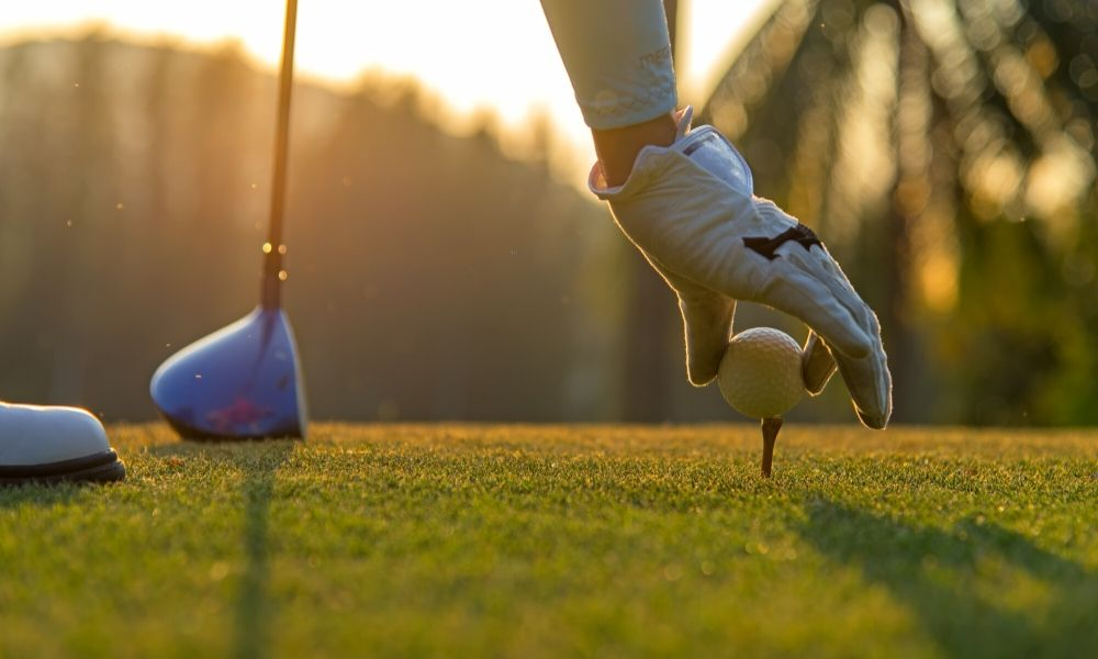 How to Maintain Social Distancing While Golfing