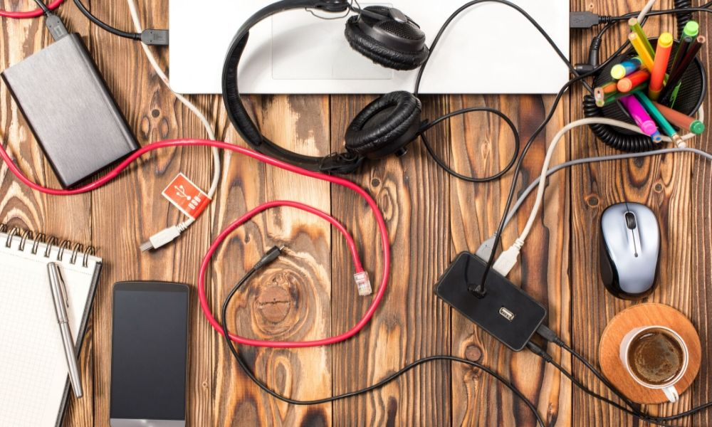 Reasons to Organize and Manage Cables in Your Workplace