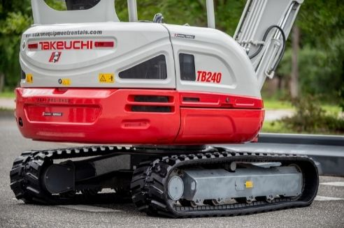 Why the Right Rubber Tracks on the Job Site Are Important