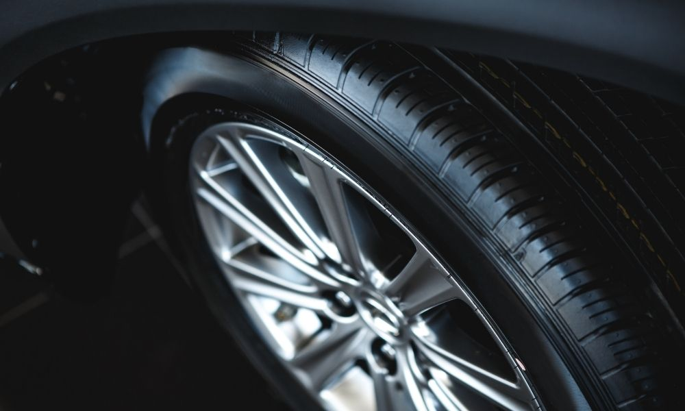 How Your Driving Style Impacts Tires
