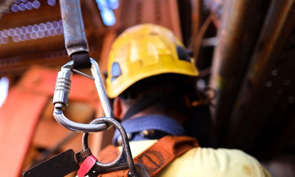 Factors That Affect a Fall Protection Harness Lifespan