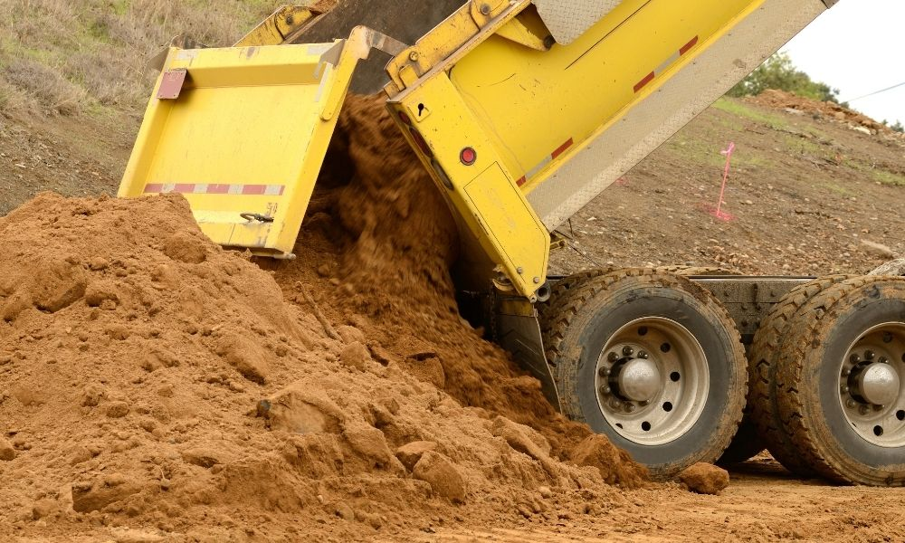 What Are Quality Dump Truck Bed Liners Made Of?