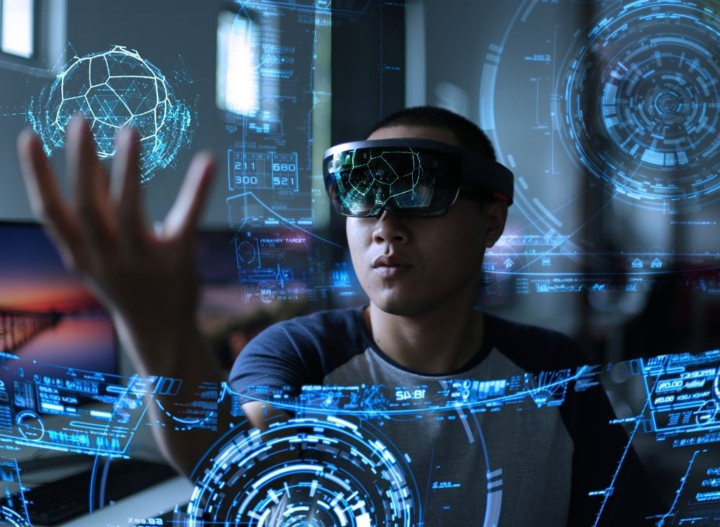 Augmented and Extended Reality: The Differences