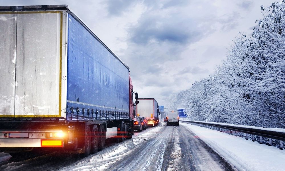 3 Must-Know Tips for Running a Trucking Fleet in the Winter