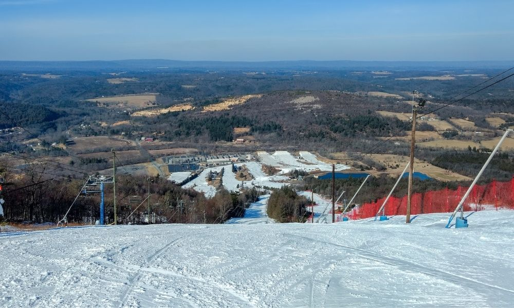 Why the Poconos Is the Best Place for a Family Ski Trip